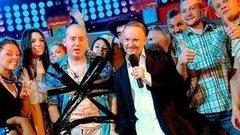 Песня-пародия про авиадебошира. Большая разница ТВ. Фрагмент выпуска от15.06.2014